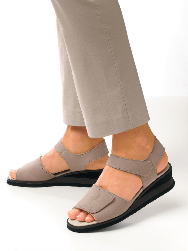 Обувь Для Сиденья 6 Букв